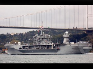 USS Mount Whitney in Bosfor2