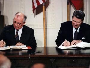Gorbaciov Reagan