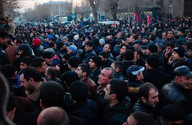 revolta armenia2