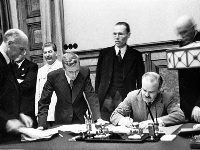 Pactul Ribbentrop-Molotov