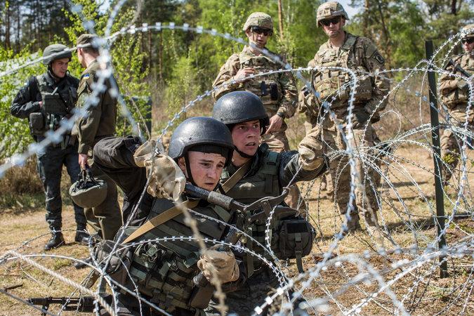 soldati ucr antrenati