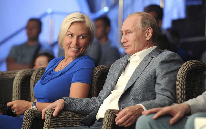 Putin Ragozina