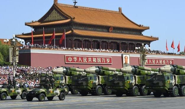 rachete chineza parada