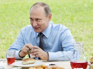 Putin mananca