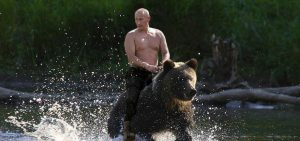 Putin pe urs